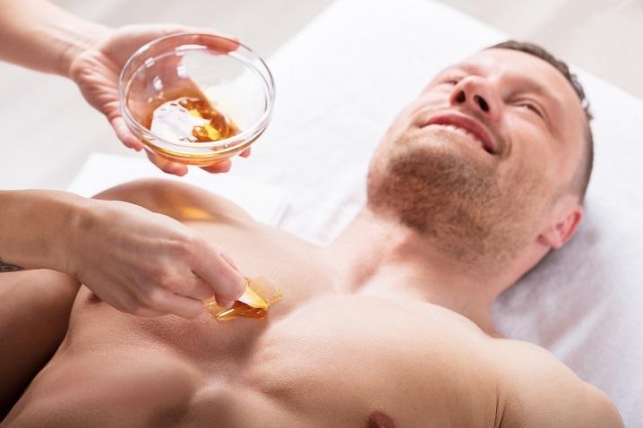 Depilacja pastą cukrową dla mężczyzn