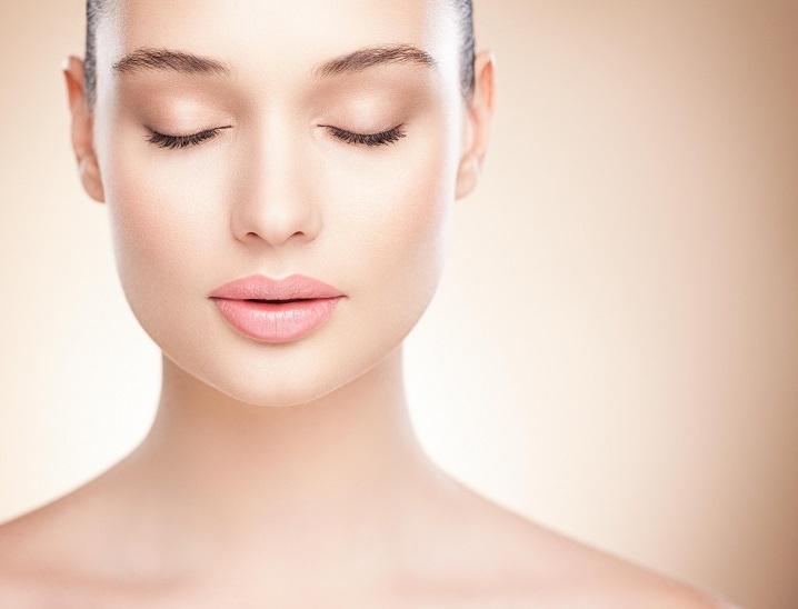 Mezoterapia bezigłowa twarz